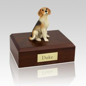 Pet cremation urns are available in a variety of styles to accomodate any taste or need